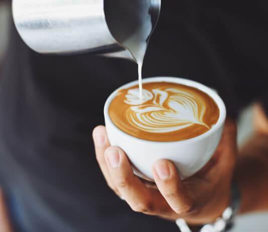 平價咖啡行銷策略 吳育宏